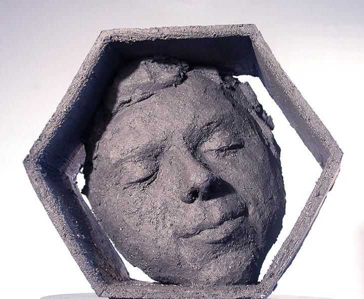 Sculpture contemporaine en terre cuite